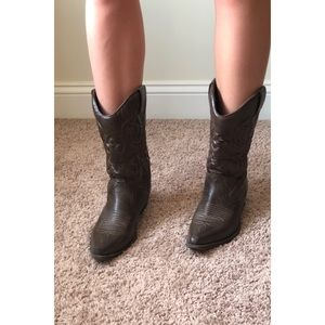Brown cowboy boots, size 8.5